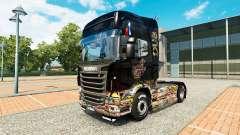Adesivo de pele Bomba no caminhão Scania