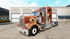 A pele dos Ursos Den no caminhão Kenworth W900