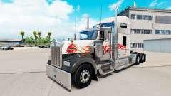 A pele do Touro no caminhão Kenworth W900