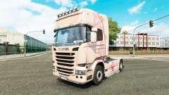 Pele Pink Panter no trator Scania